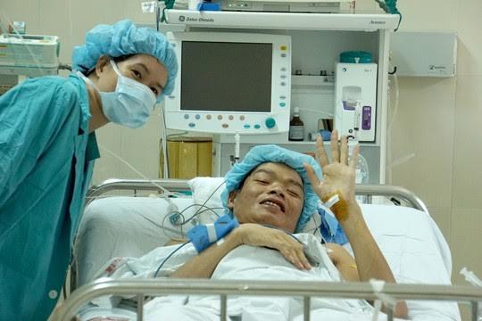 Mang tim, gan từ Nam ra Bắc cứu người: 2 bệnh nhân đã hồi phục - 1