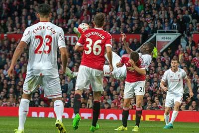 """Chi tiết MU - Liverpool: Xứng danh """"derby Đỏ"""" - 9"""