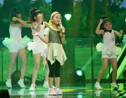 """""""Nổi da gà"""" với cô bé 9 tuổi The Voice Kids - 5"""