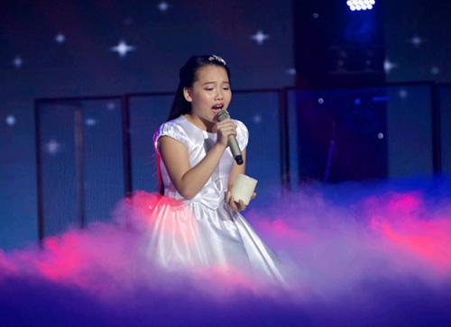 """""""Nổi da gà"""" với cô bé 9 tuổi The Voice Kids - 9"""