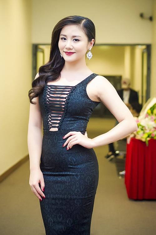 Dương Hoàng Yến, Văn Mai Hương ngày càng xinh đẹp - 13