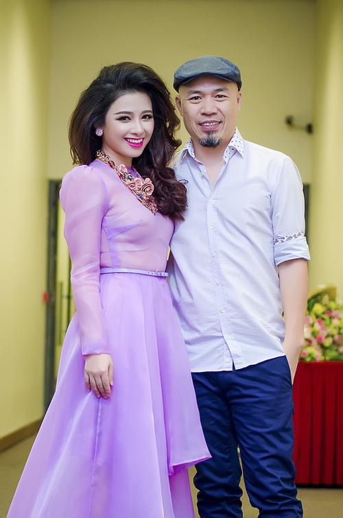 Dương Hoàng Yến, Văn Mai Hương ngày càng xinh đẹp - 5