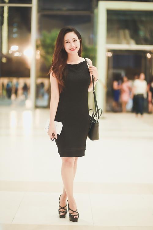Dương Hoàng Yến, Văn Mai Hương ngày càng xinh đẹp - 14