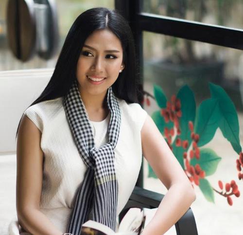 Mai Phương Thúy đeo khăn rằn đọ sắc với loạt hoa hậu - 8