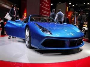 Ra mắt Ferrari 488 Spider - Mẫu xe nhanh nhất trong lịch sử hãng