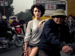 Những bộ ảnh đắt giá của sao ngoại ở Việt Nam