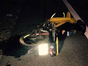 Tông xe máy vào cột mốc ven đường, hai nữ sinh tử vong