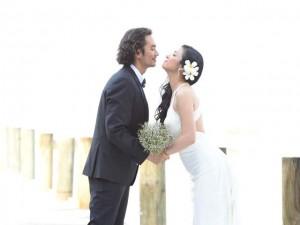 Việt Trinh khoe ảnh cưới lãng mạn ở resort triệu đô