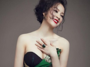 """Nhan sắc """"hoa nhường nguyệt thẹn"""" của U50 Thanh Mai"""