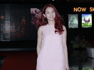 Quỳnh Chi tái xuất sau ồn ào ly hôn