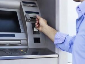 Phát hiện cách thức tinh vi trộm tiền từ máy ATM