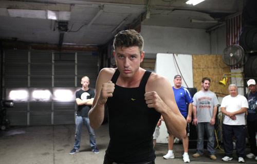 Boxing không găng: Hoang dã nhưng vô cùng hấp dẫn - 1