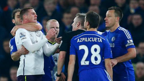Các án phạt kỳ lạ nhất của FA trong năm 2015 - 4