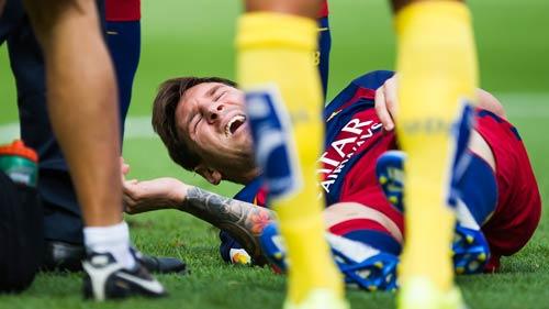 Suarez: Người giữ đuốc thay Messi cho Barca - 1