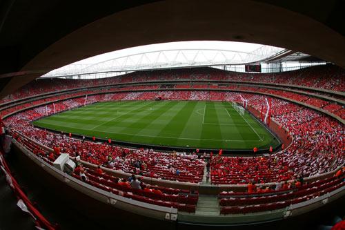 """Arsenal – MU: """"Đại chiến"""" thời mạt vận - 3"""