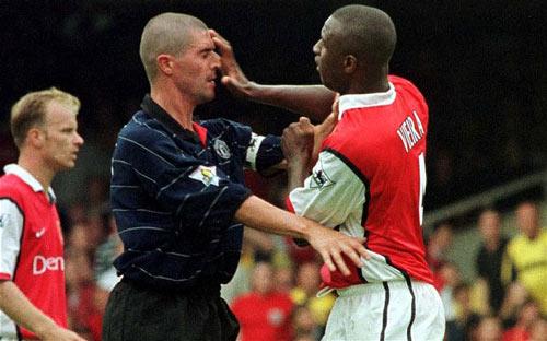 """Arsenal – MU: """"Đại chiến"""" thời mạt vận - 1"""