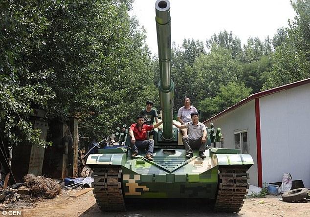 Nông dân TQ tự chế tạo xe tăng hoạt động như thật - 1