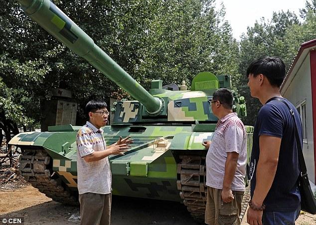 Nông dân TQ tự chế tạo xe tăng hoạt động như thật - 2