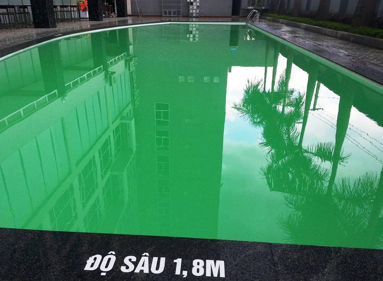 Bé trai chết đuối ở bể bơi khách sạn: Công an vào cuộc - 1