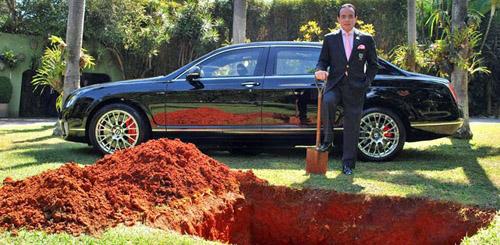 Bắt chước Pharaoh, đại gia Brazil chôn xe Bentley cùng khi chết - 1