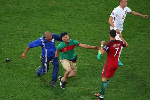 Vì sao Ronaldo nhận điểm kém nhất trận BĐN-Ba Lan? - 4