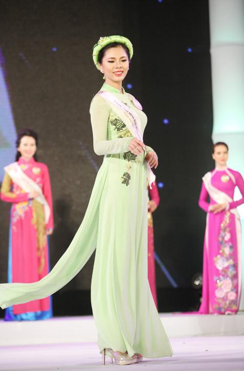 Vẻ đẹp 12 cô gái đầu tiên lọt chung kết Hoa hậu Bản sắc - 12