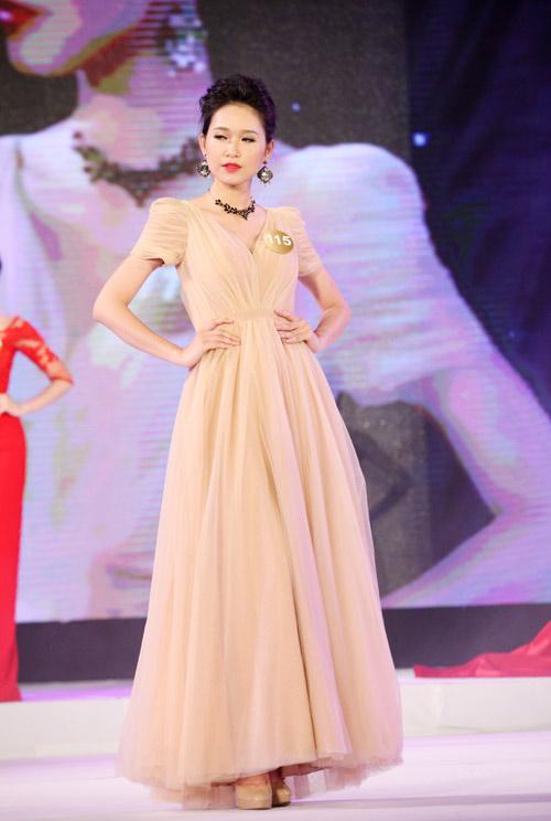 Vẻ đẹp 12 cô gái đầu tiên lọt chung kết Hoa hậu Bản sắc - 9