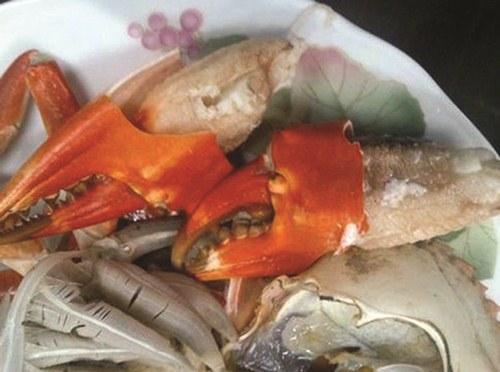 Truy tìm nguồn gốc cua biển siêu rẻ bán tràn lan ở HN - 2