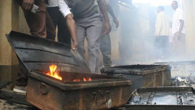 """""""Trào lưu"""" mới ở Kenya: Phóng hỏa đốt trường học - 2"""
