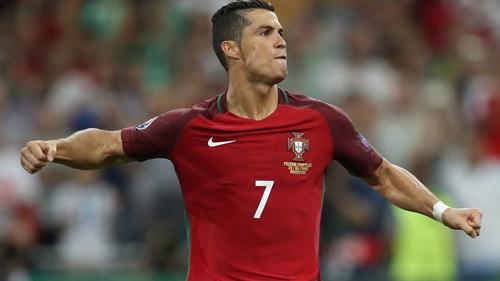 Vì sao Ronaldo nhận điểm kém nhất trận BĐN-Ba Lan? - 1