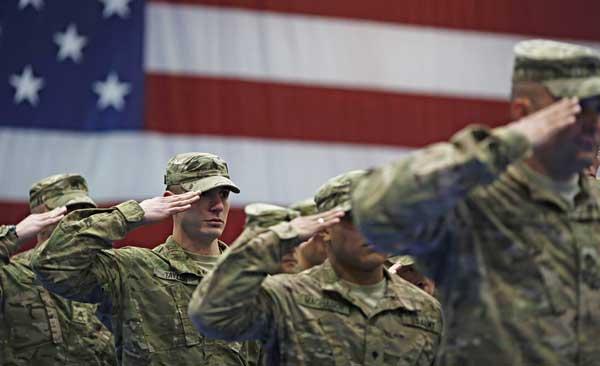 Quân đội Mỹ bỏ lệnh cấm người chuyển giới - 1