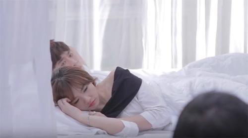 """Hari Won ngọt ngào bên hot boy trong MV """"Anh cứ đi đi"""" - 3"""