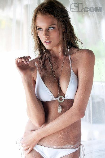 Phụ nữ Đông Nam Á có ngực nhỏ nhất thế giới - 5