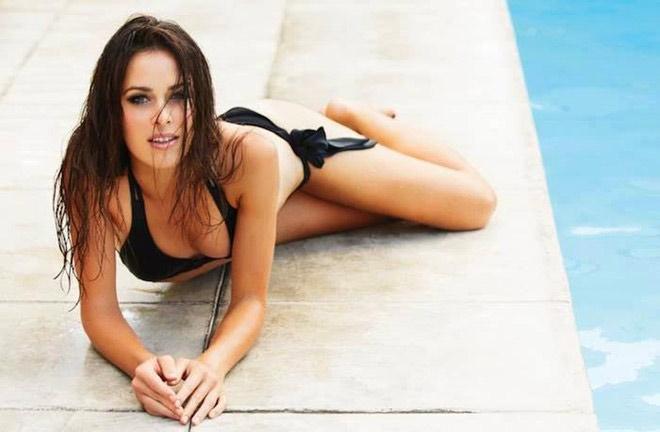 Đội hình mỹ nữ sexy nhất Euro 2016 hạ gục mọi fan nam - 12