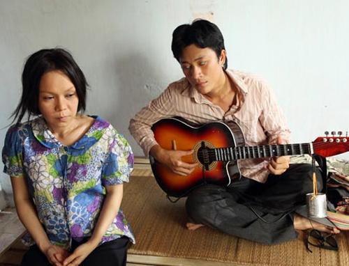 Khác biệt trong cảnh nóng của Hoài Linh và Việt Hương - 1