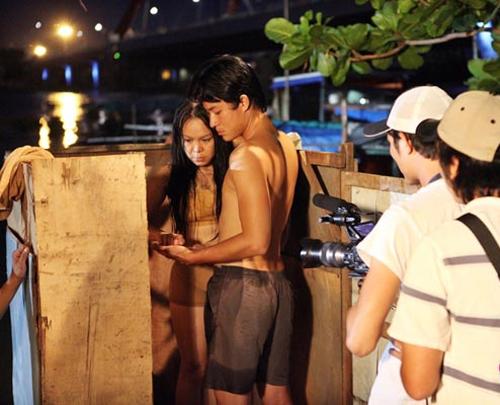 Khác biệt trong cảnh nóng của Hoài Linh và Việt Hương - 2