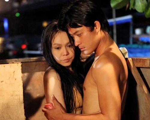 Khác biệt trong cảnh nóng của Hoài Linh và Việt Hương - 3