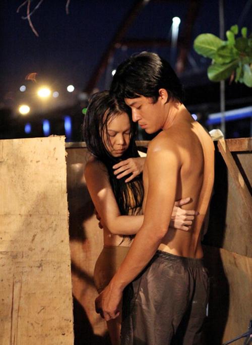 Khác biệt trong cảnh nóng của Hoài Linh và Việt Hương - 4