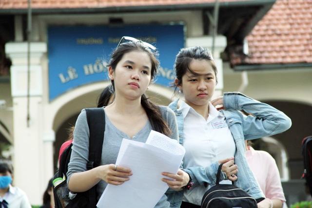 Hơn 60 thí sinh bị kỷ luật trong ngày thi đầu tiên - 1