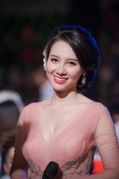 """MC Minh Hà: """"Hình ảnh hẹn hò với Chí Nhân bị dàn dựng"""" - 2"""