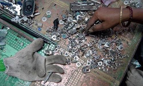 Tại sao phải tái chế thiết bị điện tử đúng cách? - 1