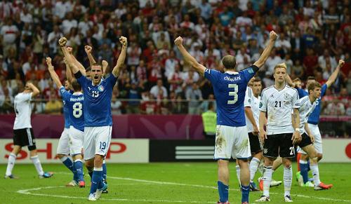 Muller chê hàng thủ Ý kém Đức - 2