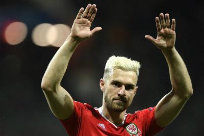 """Lại lập kỳ tích EURO, ĐT xứ Wales như """"phát cuồng"""" - 4"""