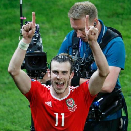 """Lại lập kỳ tích EURO, ĐT xứ Wales như """"phát cuồng"""" - 2"""