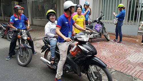 Cô gái xương thủy tinh mơ ước thành sinh viên CNTT - 4
