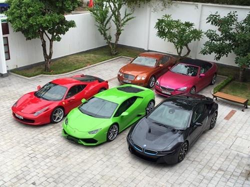 Tình cũ của Midu khoe bộ sưu tập 8 siêu xe đắt tiền - 2