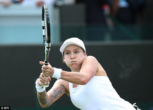 """Soi hình xăm cá tính của các """"bóng hồng"""" ở Wimbledon - 7"""