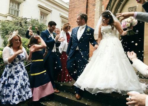 Cặp đôi chi hơn 200 triệu đồng để tường thuật lễ cưới - 1