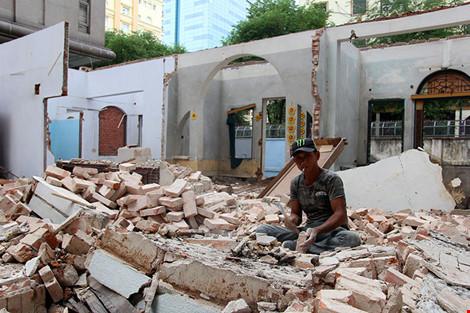 TP.HCM: Thêm một biệt thự cổ hơn 200 tỉ đồng bị đập bỏ - 7