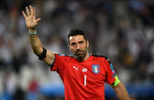 """Khiến Đức """"vã mồ hôi"""": Conte tự hào, Buffon rơi lệ - 5"""